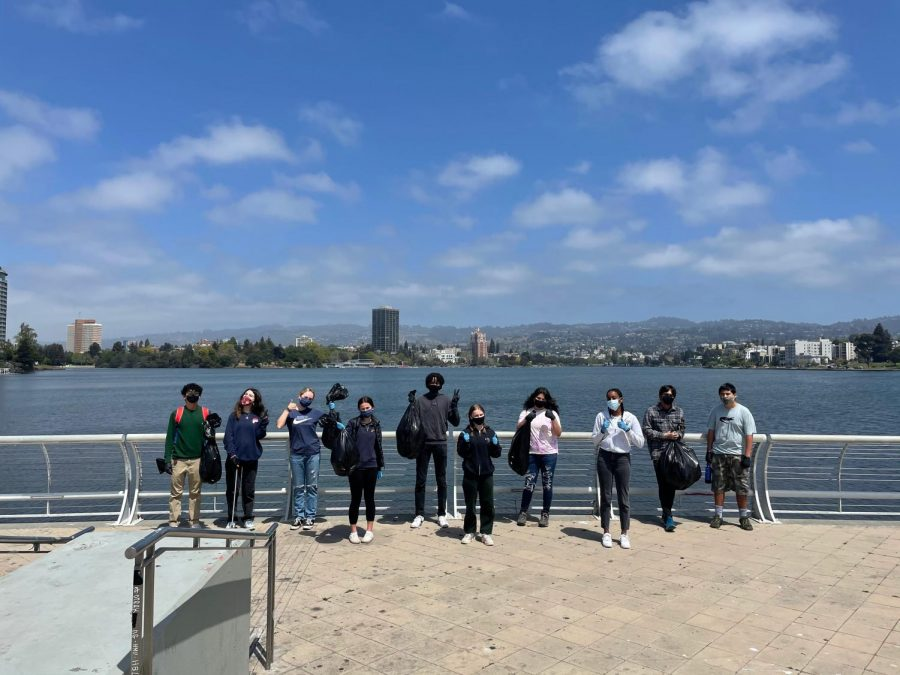 Some of the students at the cleanup at Lake Merritt!
